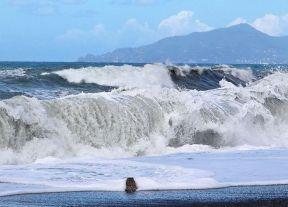 mareggiata-mare-onde